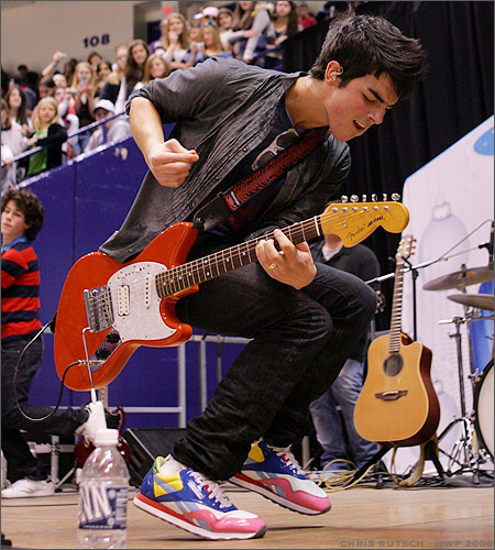 Jonas Brothers - Joe
